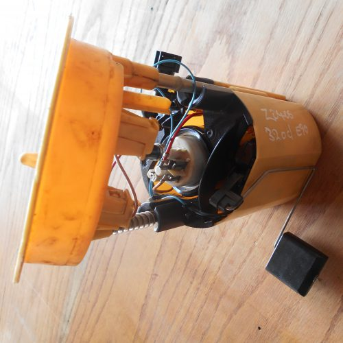 BMW 320D E90 Fuel Pump