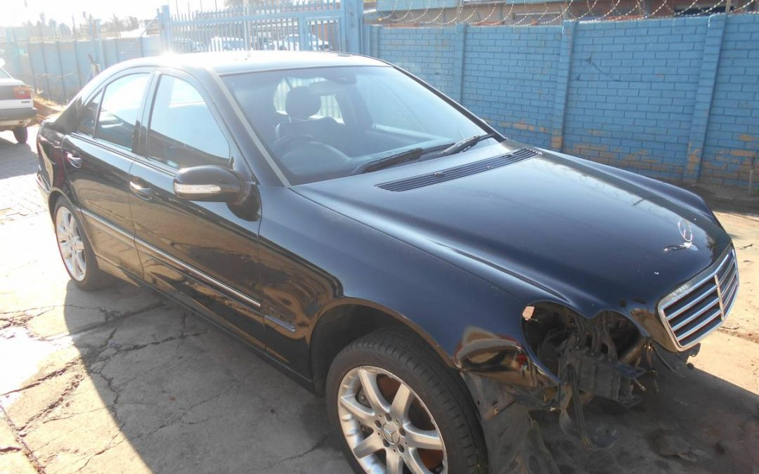 MERCEDES C200K (2006) W203 271 Stripping For Spares